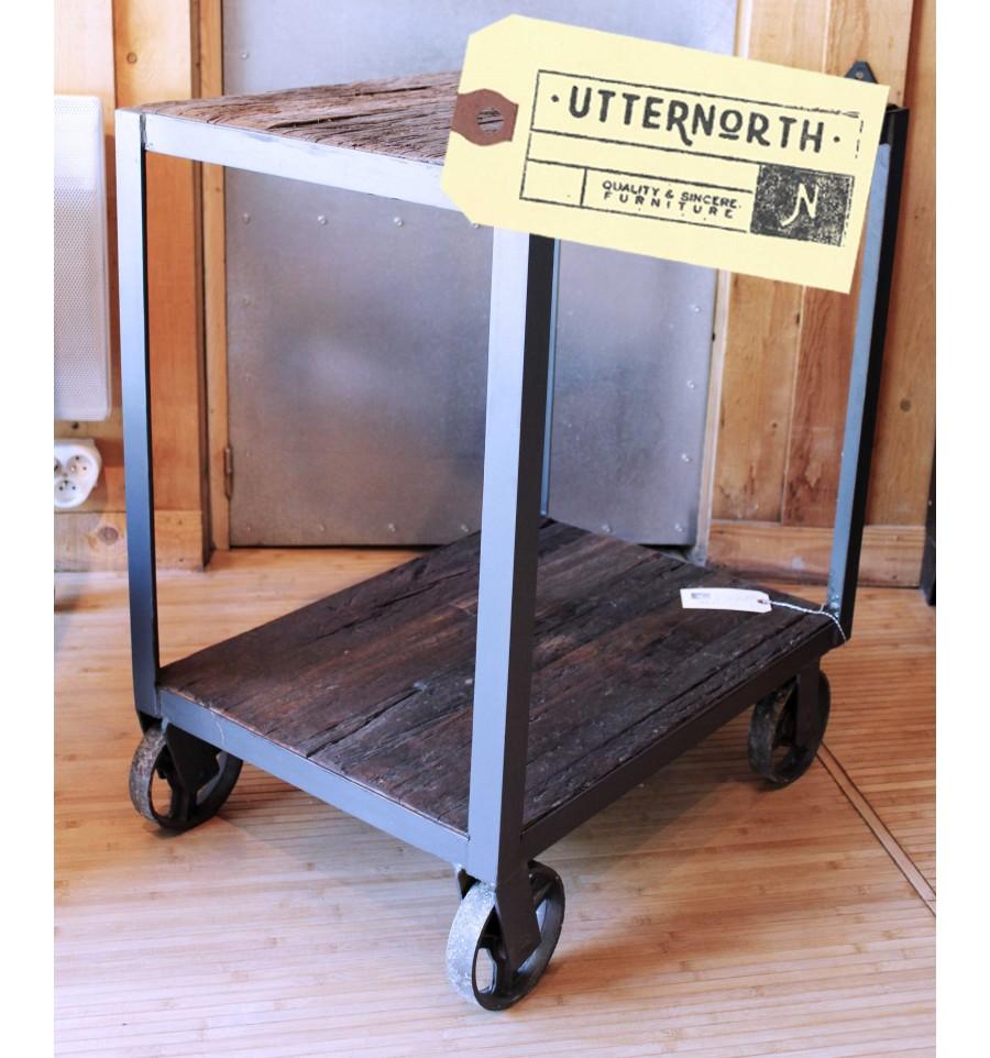 chariot en bois et acier roulettes vintage industriel. Black Bedroom Furniture Sets. Home Design Ideas