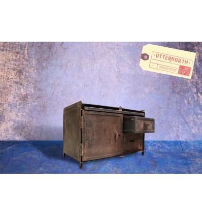 Meuble TV / Coffre à outils en acier Vintage Industriel